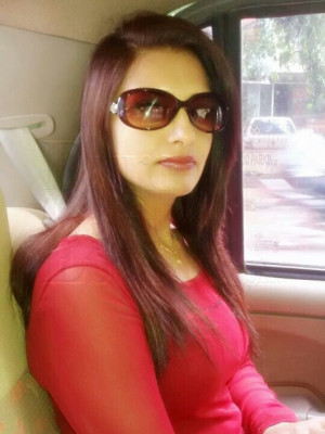 Girl Escort Laxami & Call Girl in Ahmedabad